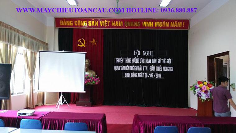 cho-thue-may-chieu
